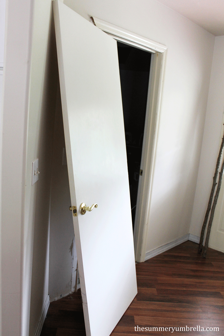 Do you need to update your doors? Try out this DIY reclaimed wood paneled door for inspiration!