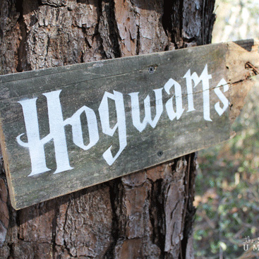 How to Make Your Very Own Fairy Tale Reclaimed Wood Signs with Movie Fonts