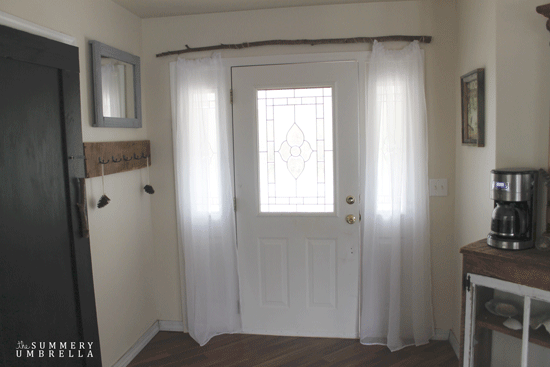 rustic-front-entrance-curtains-10