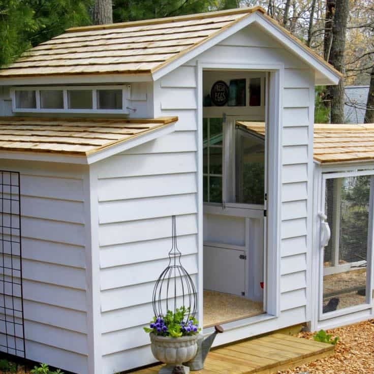 10 Pretty and Functional Chicken Coops That Will Inspire