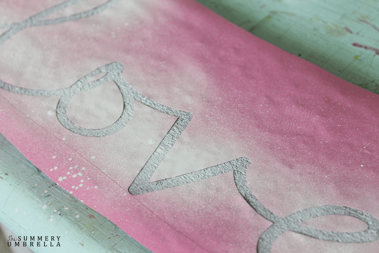 How to spray paint the word love on a wood sign