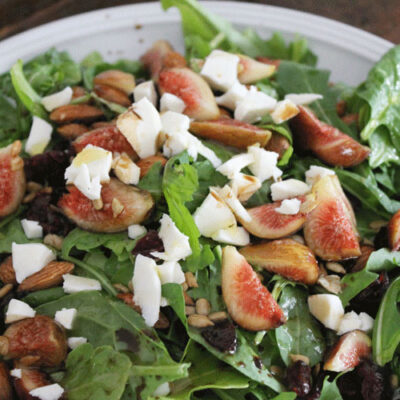 Fresh Fig and Arugula Salad with a Honey and Balsamic Dressing