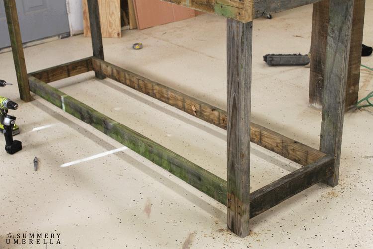 DIY gardening bench