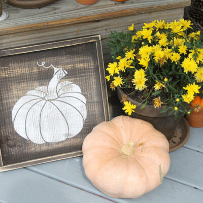 Discover How to Create a Rustic Fall Porch