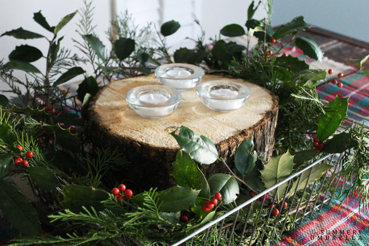Quick and Easy Rustic Holiday Table Idea