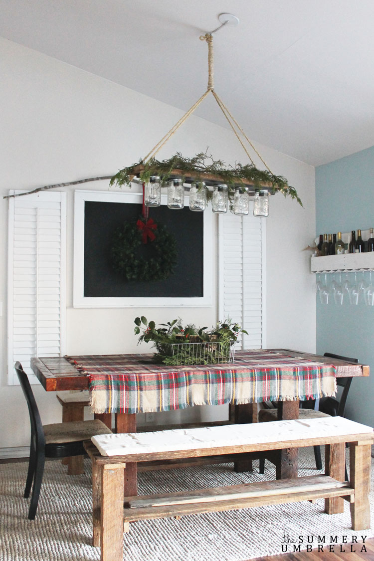 Rustic Holiday Table Idea that is also super easy to make!