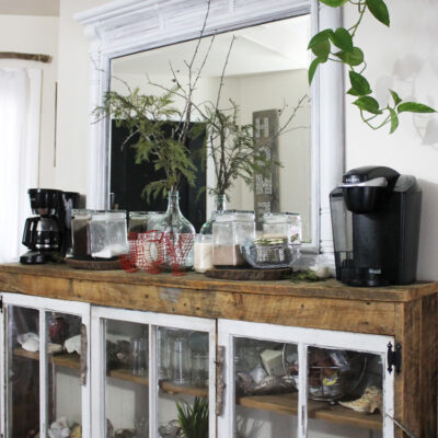 Rustic Holiday Coffee Station Decor for Family Gatherings