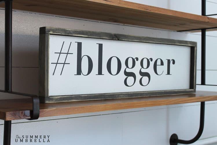 #blogger-white