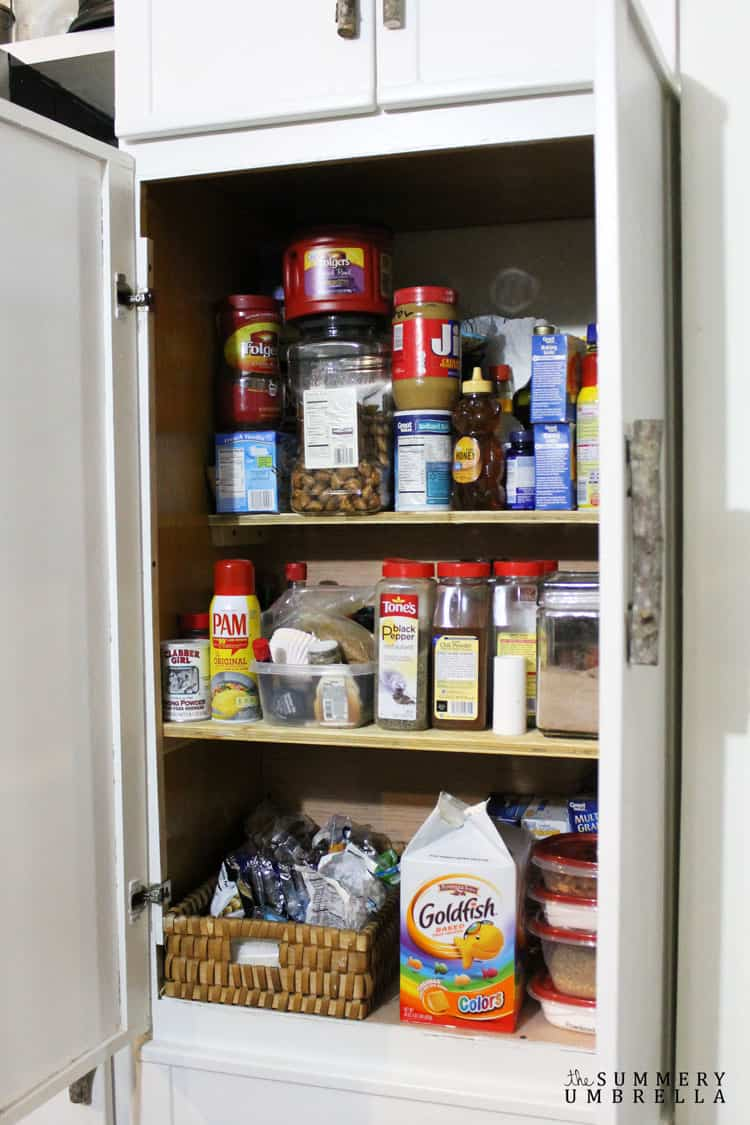 This quick and easy kitchen pantry organization idea is so simple that anybody can do it in a matter of minutes! Let me show you how on the blog NOW!