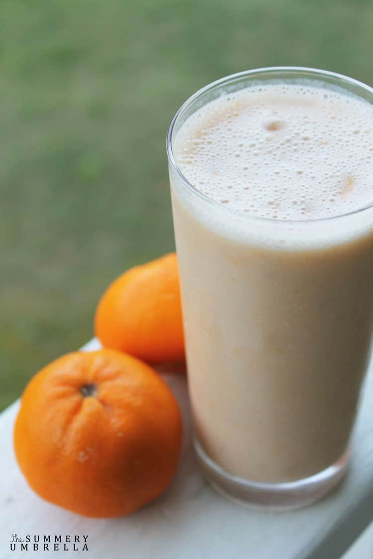Do you ever wake up tired, or need a mid-day pick me up? Then you're DEFINITELY going to want to see how to make this delicious energizing citrus smoothie!