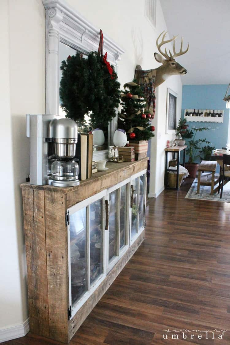 I'm so excited to share with you today my holiday home tour! It's apart of A Very Merry Christmas Home Tour featuring 29 creative bloggers all week long. Stop by and say hi!