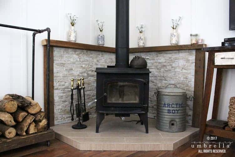 Do you desperately need a mantle update? I feel your pain! I was going through the same dilemma until I figured out how to do this easy DIY.