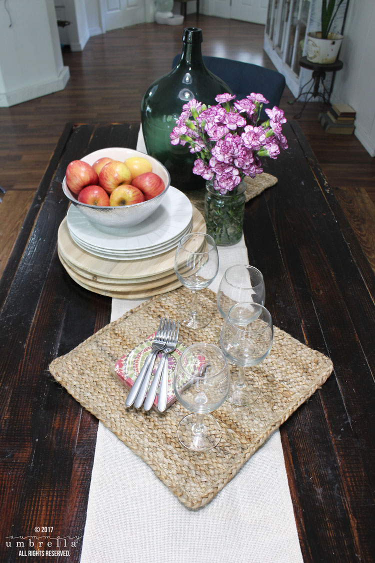 Create a super simple and easy rustic fall tablescape with just a few staple materials.