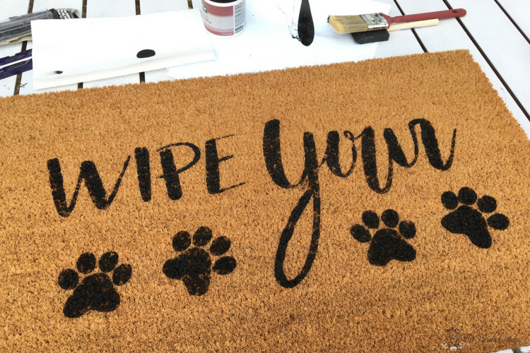 Wipe Your Paws DIY Personalized Doormat with Cricut by The Birch Cottage